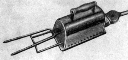 Рис. 5. Электропечь для нагрева щипцов