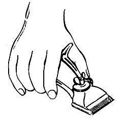 Рис. 8. Основное положение машинки при стрижке
