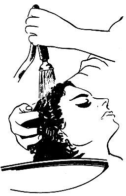 Рис. 28. Ополаскивание мыльной пены
